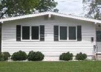 Foreclosed Home en DUANE DR, Ronkonkoma, NY - 11779