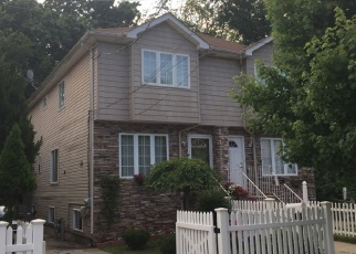 Foreclosed Home en HOLLAND AVE, Staten Island, NY - 10303