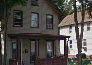 Foreclosed Home en CASTLETON AVE, Staten Island, NY - 10302