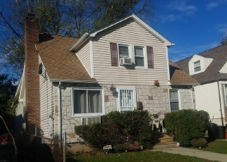 Foreclosed Home en BUTLER BLVD, Elmont, NY - 11003