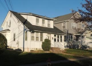 Foreclosed Home en SHONNARD AVE, Freeport, NY - 11520