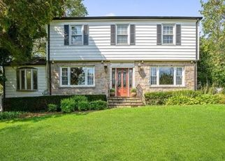 Foreclosed Home en PARKVIEW DR, Bronxville, NY - 10708