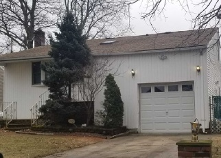 Foreclosed Home en PACIFIC ST, Baldwin, NY - 11510