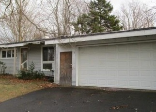 Foreclosed Home en WESTERLY DR, Fredonia, NY - 14063