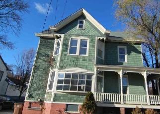 Foreclosed Home en WURTS ST, Kingston, NY - 12401
