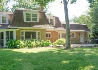 Foreclosed Home en VESTAL PKWY E, Vestal, NY - 13850
