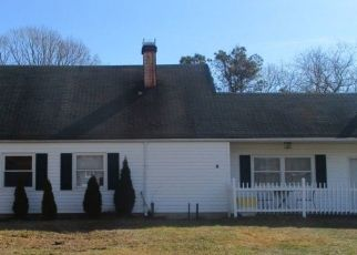 Foreclosed Home en WHITE PINE WAY, Medford, NY - 11763