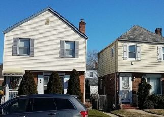 Foreclosed Home en 224TH ST, Cambria Heights, NY - 11411