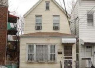 Foreclosed Home en SEABURY ST, Elmhurst, NY - 11373
