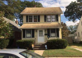 Casa en ejecución hipotecaria in Valley Stream, NY, 11580,  N COTTAGE ST ID: P1231191