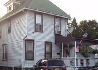 Foreclosed Home en WICKHAM AVE, Middletown, NY - 10940