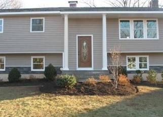 Foreclosed Home en ANGELA LN, Lake Grove, NY - 11755