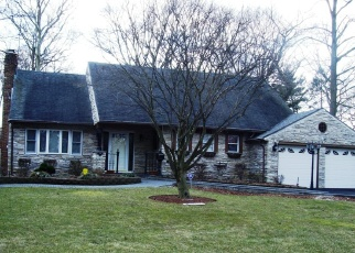 Foreclosed Home in NORTHFIELD LN, Westbury, NY - 11590