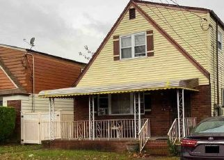 Foreclosed Home en SPRINGFIELD BLVD, Cambria Heights, NY - 11411
