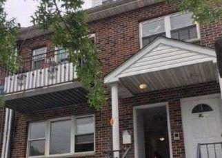 Foreclosed Home en JUNIPER BLVD S, Middle Village, NY - 11379