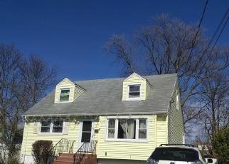 Foreclosed Home en HALSEY ST, Freeport, NY - 11520