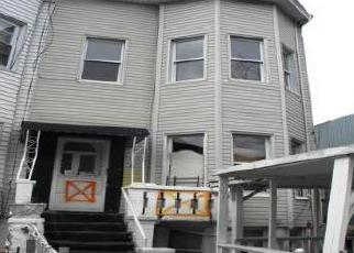 Foreclosed Home en HINSDALE ST, Brooklyn, NY - 11207
