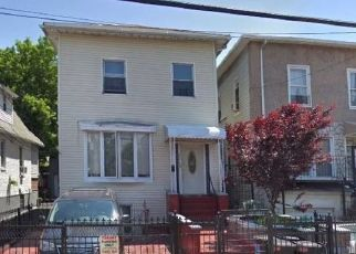 Foreclosed Home en QUIMBY AVE, Bronx, NY - 10473