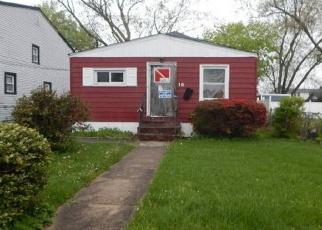 Foreclosed Home en ABBOTT PL, Roosevelt, NY - 11575