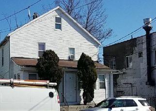 Foreclosed Home en ELMONT RD, Elmont, NY - 11003