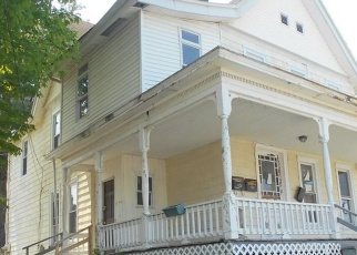 Foreclosed Home en ALBERT ST, Middletown, NY - 10940