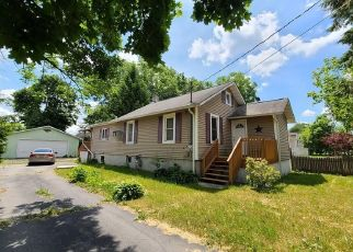 Foreclosed Home en EXCELSIOR AVE, Middletown, NY - 10940