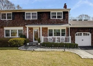 Foreclosed Home in CROFT PL, Huntington, NY - 11743