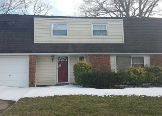 Foreclosed Home en JANET ST, Port Jefferson Station, NY - 11776