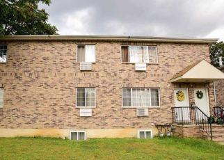 Foreclosed Home en MONTAUK ST, Saint Albans, NY - 11412