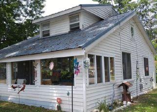 Foreclosed Home en KENWOOD AVE, Sylvan Beach, NY - 13157
