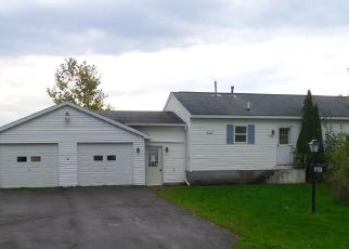 Foreclosed Home en SPRUCEDALE DR, La Fargeville, NY - 13656
