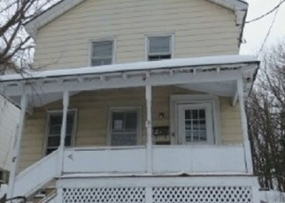 Foreclosed Home en E CLINTON ST, Johnstown, NY - 12095