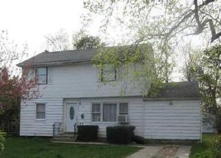Foreclosed Home in BRUCE LN, Brentwood, NY - 11717
