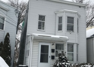 Foreclosed Home en FORD AVE, Troy, NY - 12180