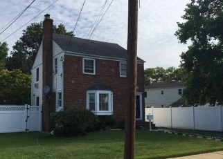 Foreclosed Home in BONAPARTE PL, Baldwin, NY - 11510