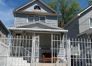 Foreclosed Home en LELAND AVE, Bronx, NY - 10473