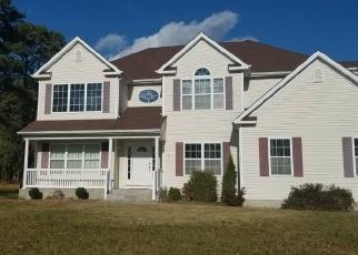 Foreclosed Home en BLOOMINGTON ST, Medford, NY - 11763