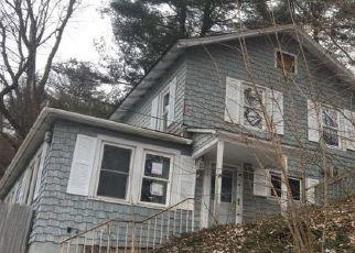 Foreclosed Home en MOSS AVE, Endicott, NY - 13760