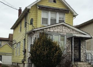 Foreclosed Home en 131ST ST, South Ozone Park, NY - 11420