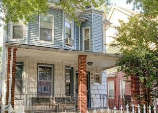 Foreclosed Home en E 32ND ST, Brooklyn, NY - 11210