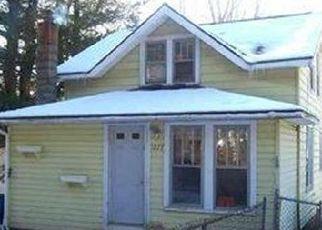 Foreclosed Home en BURDEN LAKE RD, Averill Park, NY - 12018