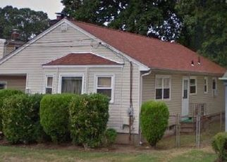 Foreclosed Home en WALLACE ST, Freeport, NY - 11520