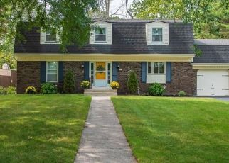 Foreclosed Home en FIRESTONE DR, Rochester, NY - 14624
