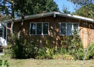 Foreclosed Home en JOEL CT, Ronkonkoma, NY - 11779