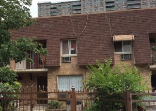 Foreclosed Home en TAYLOR AVE, Bronx, NY - 10473