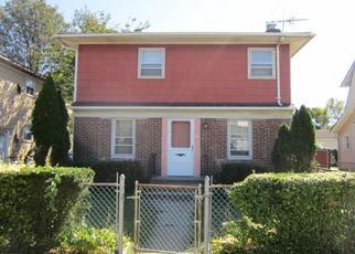 Foreclosed Home en DAKOTA PL, Hempstead, NY - 11550