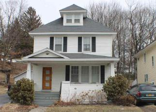 Foreclosed Home en N LAKE AVE, Troy, NY - 12180