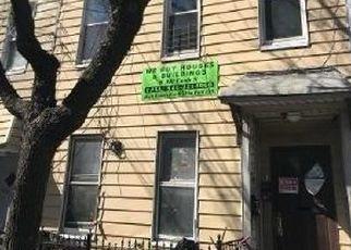 Foreclosed Home en HANCOCK ST, Ridgewood, NY - 11385