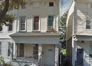 Foreclosed Home en 75TH ST, Woodhaven, NY - 11421