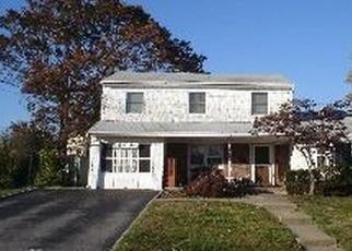 Casa en ejecución hipotecaria in Islip Terrace, NY, 11752,  ROOSEVELT ST ID: P1239045